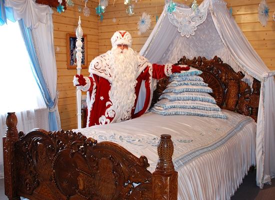 Экскурсия по сказочному терему Деда Мороза.